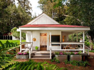 Cottage Tiny House - Country Living